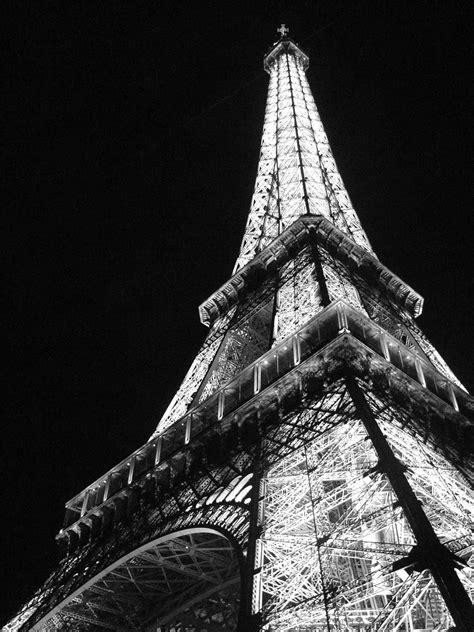 black and white eiffel tower wallpaper eiffel tower paris black and white photos black and
