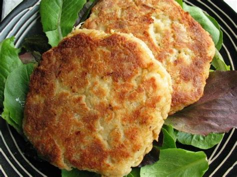 easy crab cake recipe simple crab cakes recipe food com