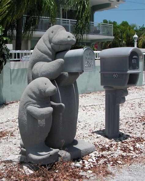 25 weird mailboxes holytaco
