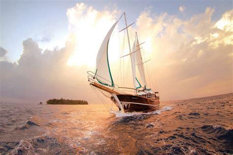 barco navegando animado barco navegando en el mar 67606