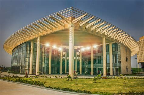 Mba In Amity In Kolkata by Fees Structure And Courses Of Amity Au