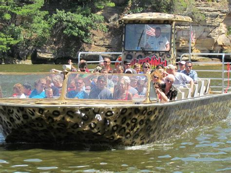 wild jet boat rides wild thing jet boat tours wisconsin dells wi 53965 920