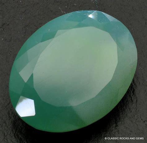 mtorolite chrome chalcedony faceted gemstone 23 5 ct