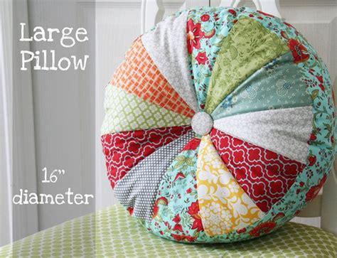 Sprocket Pillow by Diy Sprocket Pillows Tutorial Home Design Garden