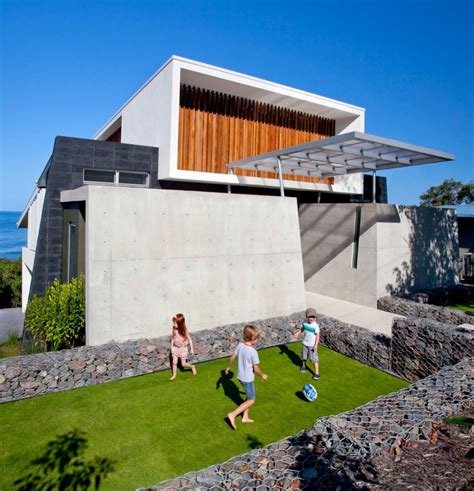 bold exterior house with minimalist interiors