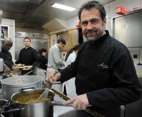 cours de cuisine toulouse grand chef michel sarran va cuisiner les candidats de top chef 04