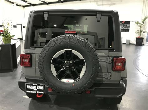 grey jeep rubicon jeep jl sting gray jeep wrangler jeep