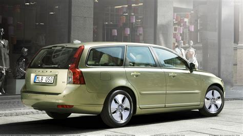 file volvo v50 04 20 2010 jpg car side pose wallpapers photos images in hd