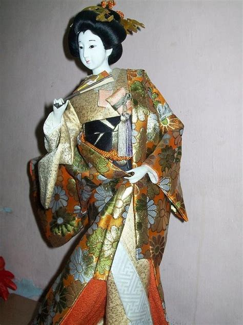 Kimono Outer geisha removing outer kimono collectors weekly