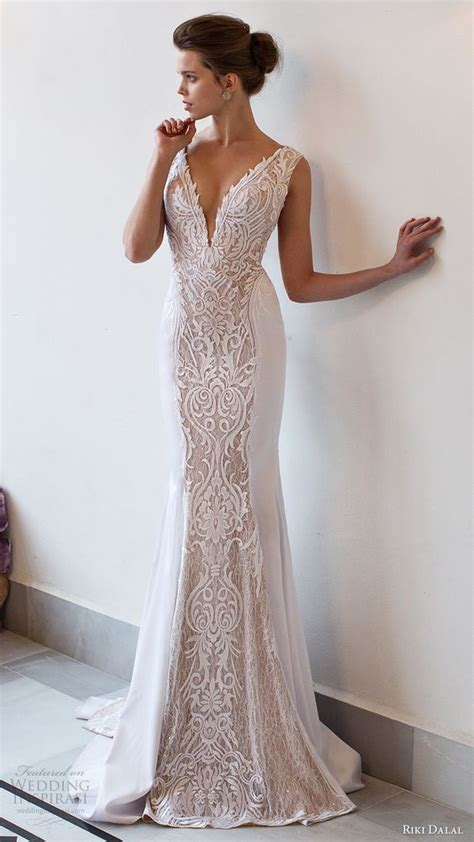 sexy deep plunging  neck wedding dresses bodice