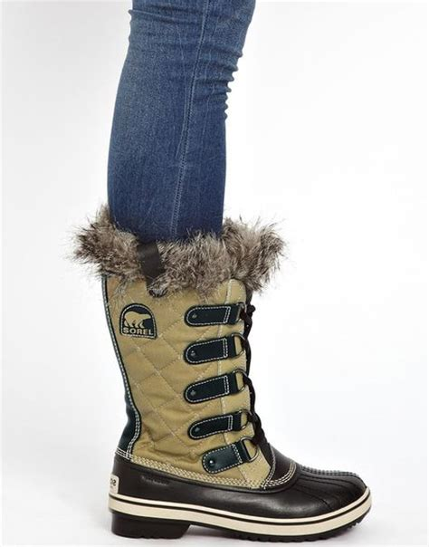 Sorel Tofino Cate Quilted Boot fred perry sorel tofino cate quilted faux fur cuffed boots
