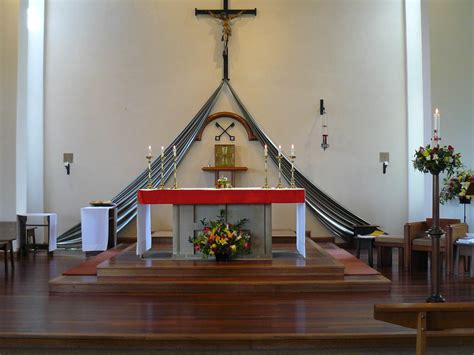 pioneer priests and makeshift altars a history of catholicism in the thirteen colonies books the altar and the lectern st peter s church eynsham
