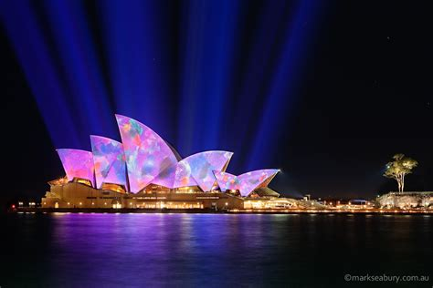 lighting the sails of the sydney opera house in the annual