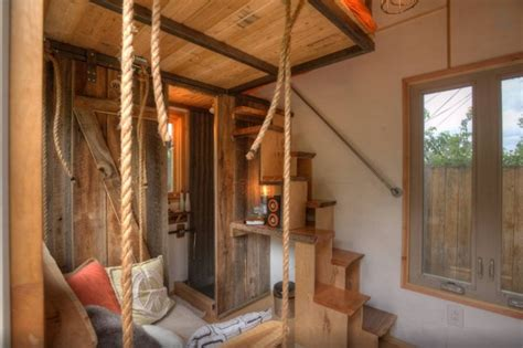 cabin cheery i like corrugated roofing used in hip tiny house vacation in photo i like the corrugated metal and wood on the