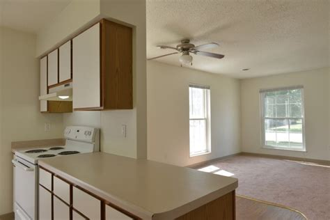 2 Bedroom Apartments For Rent In Eau Wi by Woodsedge Apartments Rentals Eau Wi Apartments
