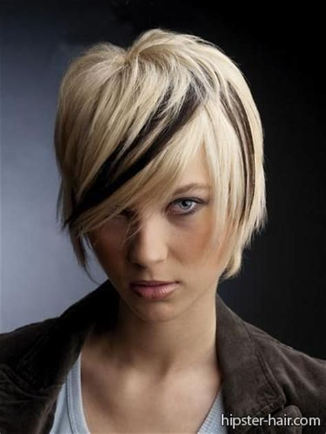 ways to low light short hair short blonde bob low light streak hair pinterest