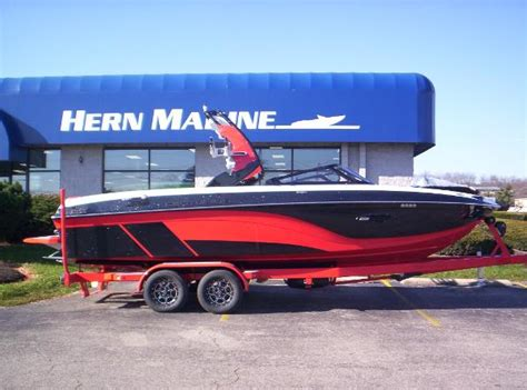 centurion boats reviews centurion ri237 top of the line wake surfing boats