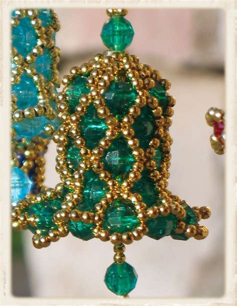 beaded bell ornament green with gold lattice beaded bell