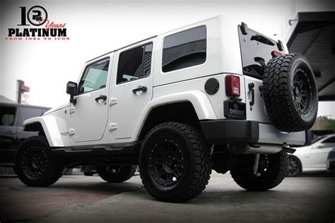 White And Black Jeep Wrangler This Jeep Wrangler Un Limted Is Sick With Black Rims And