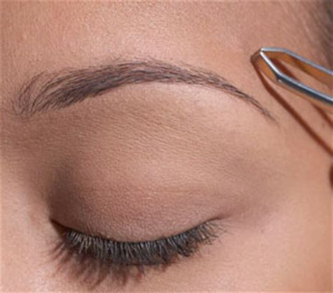 Best way to trim women's eyebrows