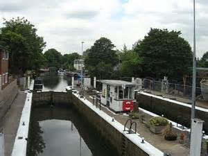 thames lock brentford brentford thames locks 169 alan murray rust cc by sa 2 0