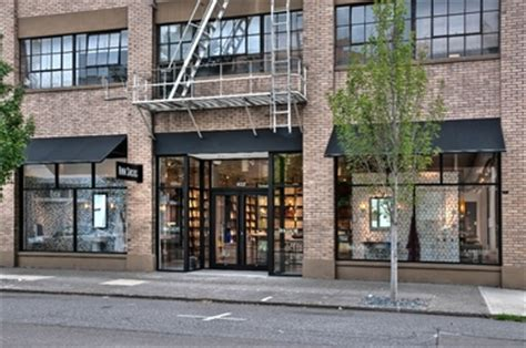 hi tops bar chicago retail robertson construction 28 ann sacks tile stone inc in portland or 97214 citysearch