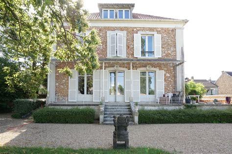 Neauphle le Château : Maison bourgeoise revisitée en centre ville Agence EA Yvelines