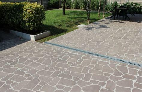 piastrelle cemento esterno piastrelle in cemento per esterno carrabili designs