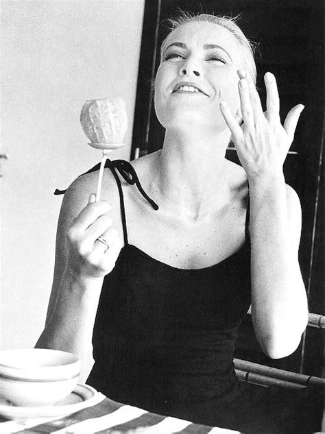 The Summer Look of: Grace Kelly   Classiq