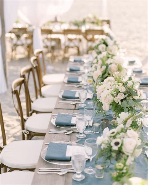 Such a chic and stylish look for any Dusty Blue wedding