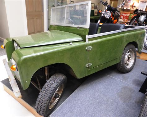 vintage land rover discovery tennants auctioneers a working 1 4 scale model of a