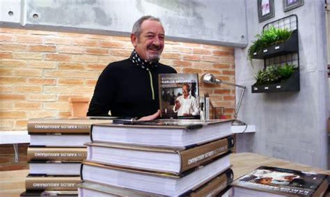 en familia con karlos 8408133667 karlos argui 241 ano firma los libros de los ganadores del sorteo 1 mill 243 n de fans hogarmania
