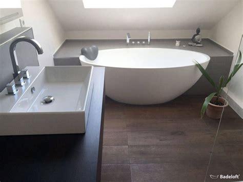 platzsparende badewanne die besten 25 badewanne fliesen ideen auf