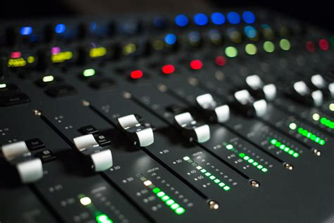 Audio Console avid pro tools s3 surface vintage king audio