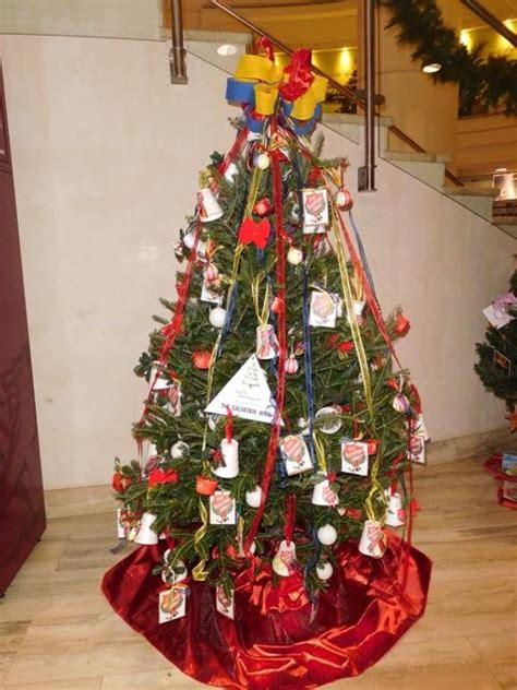 photos charity christmas trees decorated bernews