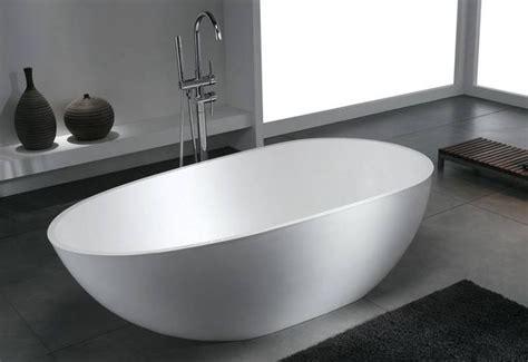 baignoire ilot baignoire ilot composite thalassor modele cocoon 170 id 233 es pour la maison