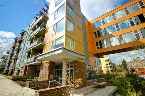 portland oregon appartments headwaters apartments rentals portland or apartments com