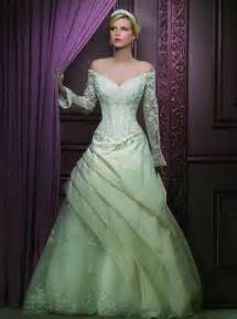 green wedding dresses embracing trendy green wedding dresses pictures ideas guide to buying stylish wedding dresses