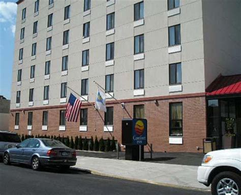 comfort inn brooklyn ny comfort inn brooklyn bridge brooklyn deals see hotel
