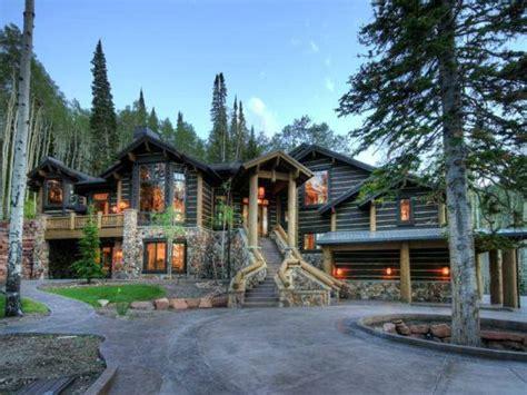 stunning  luxury mountain home home design garden
