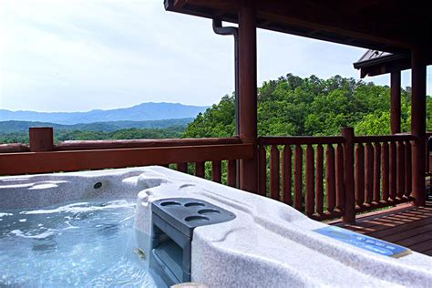 Big Tub Cabins by Top 10 Beautiful Smoky Mountain Cabins With A Tub