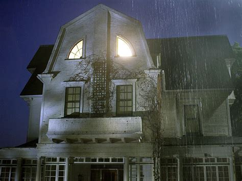 amityville horror house pictures amityville horror house on sale for 850 000 people com