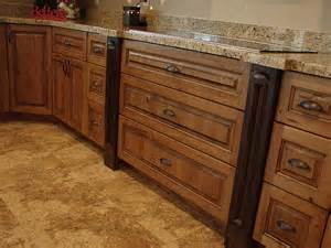 Rustic Cherry Kitchen Cabinets Lec Cabinets Rustic Cherry Cabinets