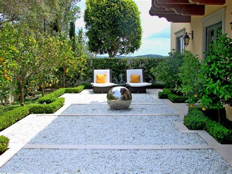 courtyard landscape 15 innovative designs for courtyard gardens hgtv