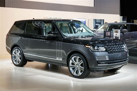 black land rover 2016 2016 range rover svautobiography brings ultimate 4x4
