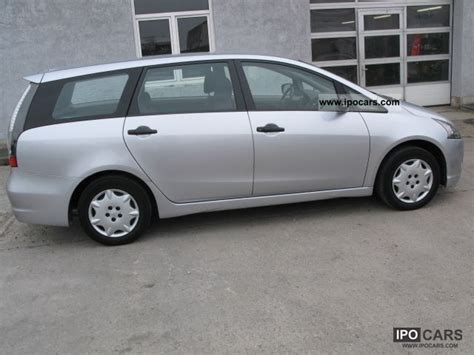 2007 Mitsubishi Grandis Photos Informations Articles