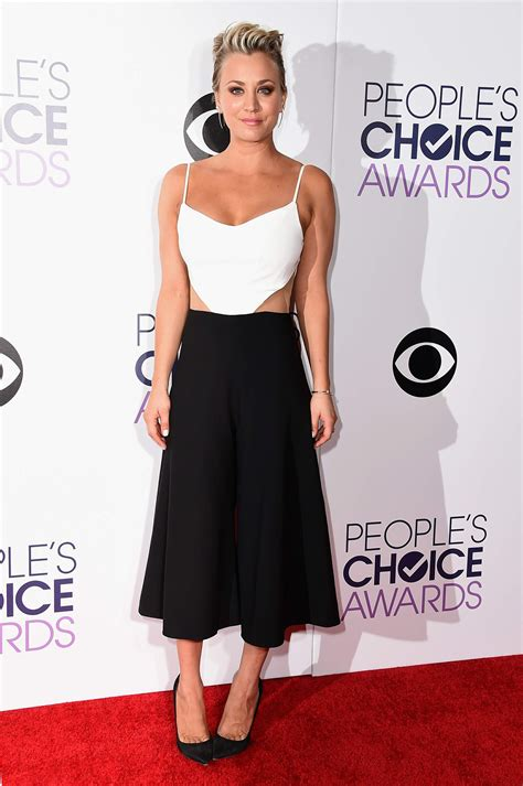 Peoples Choice Awards by Kaley Cuoco Wears Peggy Hartanto 2015 S Choice