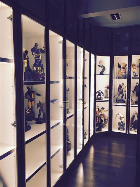 fukusu: Action Figure Collector Display Cabinet With LED