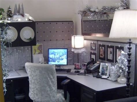 Cubicle Decor by Blue Bedding Ideas Table Decorating Ideas