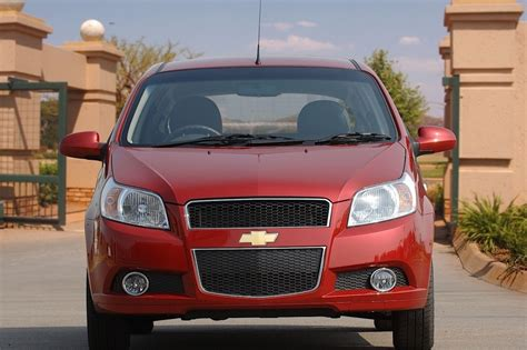 review chevrolet aveo chevrolet aveo hatchback 2008 2011 reviews technical